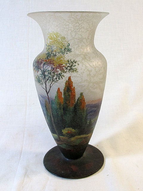 4218 – Handel Vase with View and Trees