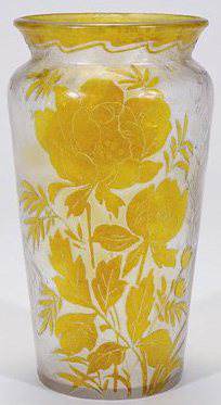 4242 – Handel Vase with Blooming Yellow Roses