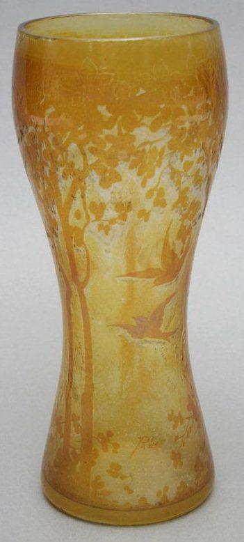 4256 – Handel Vase with Flying Birds